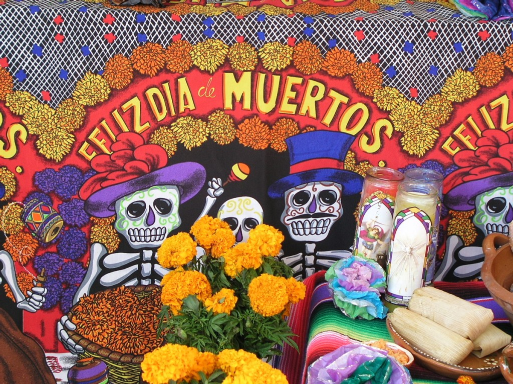 4 Ways To Celebrate Dia de Los Muertos