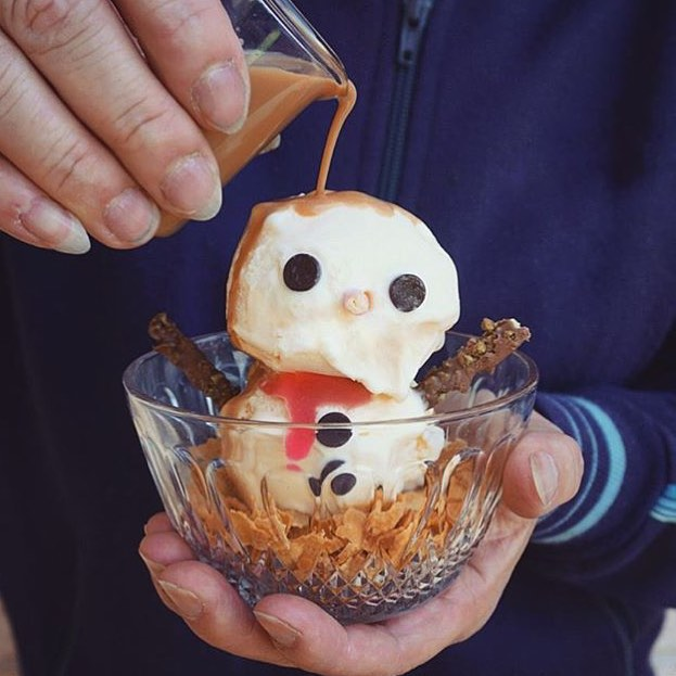 Thanks to @annachaannn for getting us in the Holiday Spirit with this amazing Snowman Affogato!! Due to so many climate changes around the world this may be the only way we get to build a #Snowman this year, hey not a bad alternative!! || #YouGottaEatThis #YGET #WDYET #HappyHolidays #Christmas #Affogato #Xmas || #⛄️ #☕️ #🍦 #😍 #💣