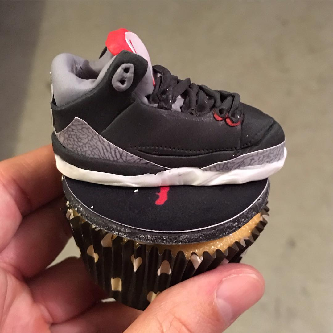 The good folks at @EatGoodNYC made our co founder @PremiumPete so many amazing  #Cupcakes for his Birthday!! How Dope & Detailed is Pete's favorite #Sneaker the Black Cement #AirJordan 3 looking as a Cupcake!! Surely it's #YouGottaEatThis Approved!! || #YGET #WDYET #Jordans #AllEdible #Jordan3 || #🏆 #😳 #💣 #🔥