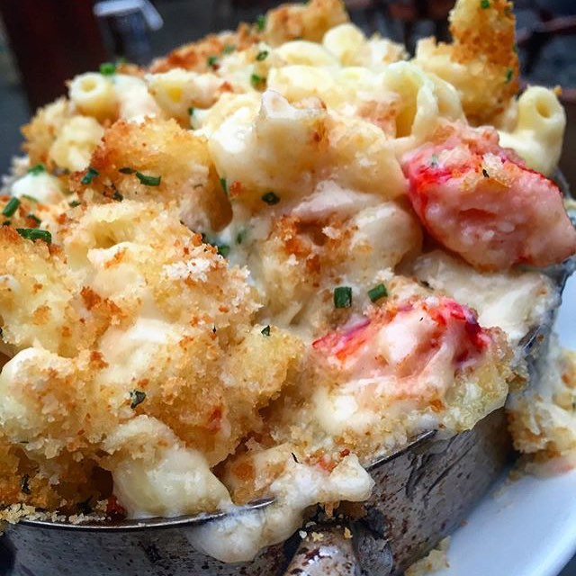 Yeah this #Lobster #MacnCheese from @Baltaire is so 💣!! Word is out it's @losangeles_eats Approved!! 🔑!! #yougottaeatthis 😍