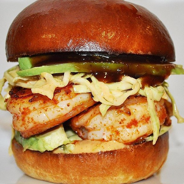 Introducing Cajun #Shrimp Sliders with #Spicy cabbage slaw, Avocado, Husk sauce and #BBQ sauce made by @FoodReuels!! Wow oh wow, tell a friend to tell a friend #FoodReuels Gotcha Open!! #YouGottaEatThis Approved!! || #😳 #😍 #🔑 #💣 #🔥 #🏆 #YGET #MakeAtHome ||