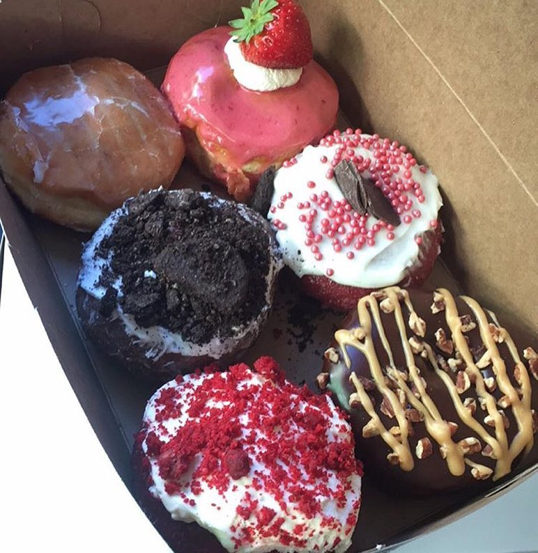 Nothing but love in the air!! Can't you smell it?? Good because we don't! We just smell this box full of love that @mrjll86 picked up. All the strawberry, Oreo and Red Velvet love is all we want to be apart of! This is how you show your off. What are you guys doing??? #❤️ #🍩 #😻 #👫 #👬 👭