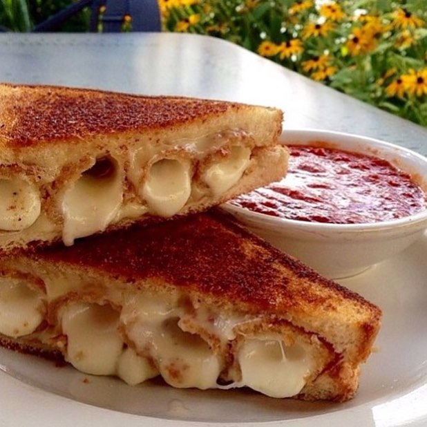Grilled Cheese Mozzarella Sticks Sandwich!! Thanks to @Tylllah we will always have a creative late night snack on DECK!! 😍💣🔥🔑🙀