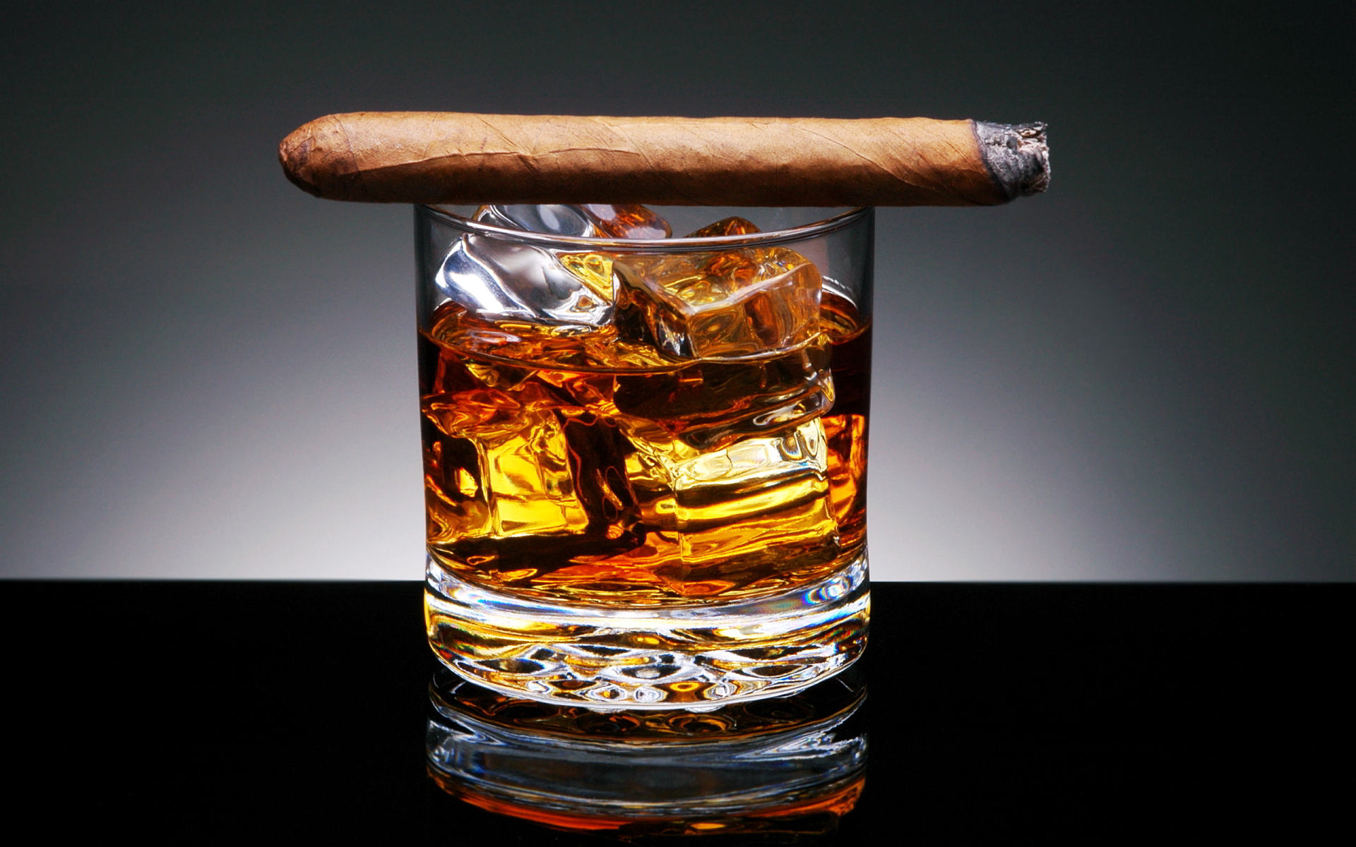 Cigar & Whisky Pairings For Every Stage Of Your Relationship (The Men's Valentine's Day Gift Guide)