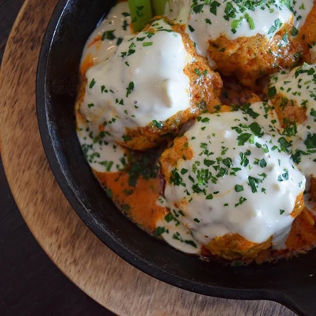 Mmmmmm behold Buffalo chicken meat balls! Our very own @casanovasz is going live from @forkandballs on the YouGottaEatThis SnapChat ! Add us now to tune in! 👻 YouGottaEatThis