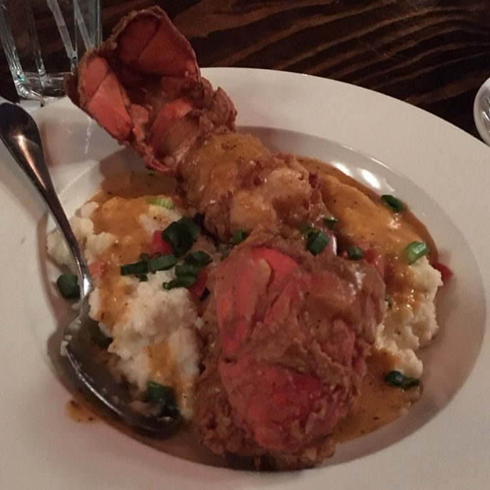 Fried Lobster Tail & Grits! 😳 Served a la Thermidor! 😍 Our very own @TrillOG stopped by @Troubleman31's restaurant @Scales925 in and the results are in,  its Approved! 💣