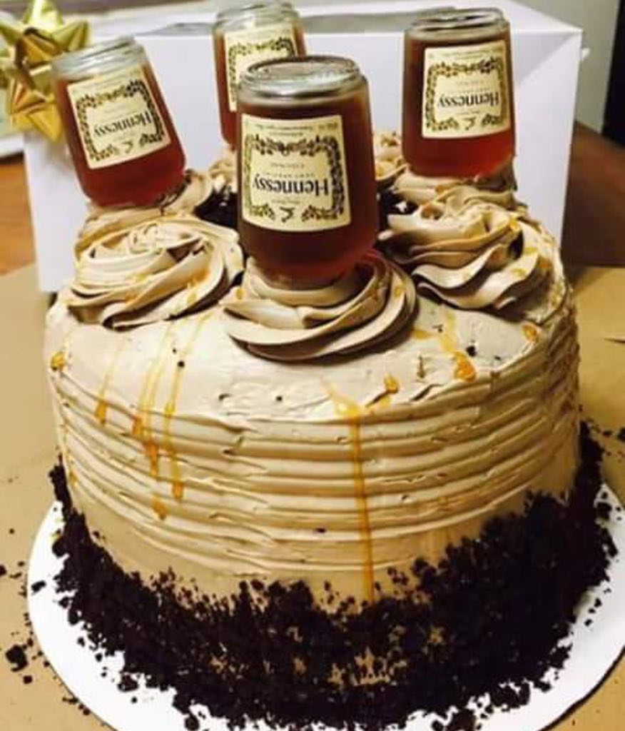 Anyone ready for their Birthday Cake?? With a just a few minor shots of @hennessyus of course would make it better as well! Who wants slice or shot??