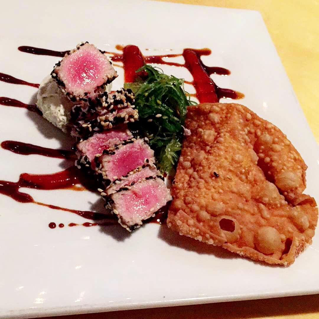 "A little sesame-crusted seared tuna is a great way to get the ""I don't eat sushi"" crowd to come over to our side, don't you think? @venturekitchenandbar stays with the approved appetizers when @thomaswilson2 is around!"