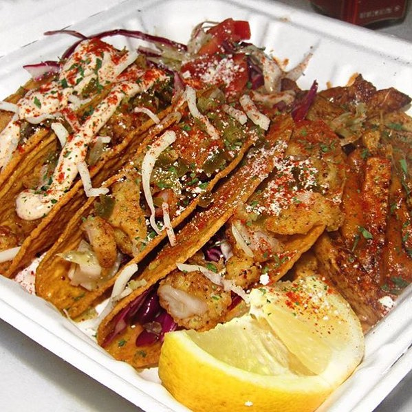 Shrimp Tacos & Cajun Fries!! 😳😍🌮🍤🍟 Hmmmmm @CrazyClarine all we want to know is if @SoulTruckNYC is Approved!?