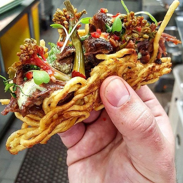 Ramen Taco!! 😍🌮🍜short ribs, pickled chinese broccoli, jalapeno sauce!! Our friend @ChefMarcMarrone back at it again!!