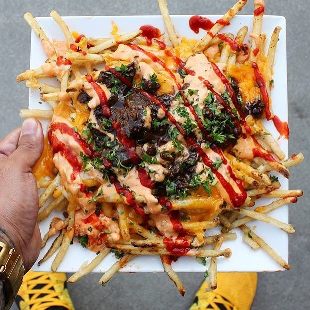 Fully Loaded 'Shaken House Fries' AKA Crispy Fries Topped W/Short Rib & Last but not Least a Bunch of n!! 😳😍😳😍 @HangryAdventures we're Drooling over here!! 🍟🔥🍟🔥