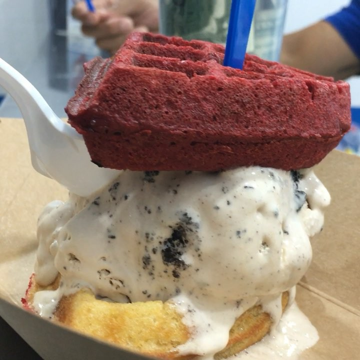 The Red Velvet & Regular Waffle Ice Cream Sandwich From @MikeyLikesItIceCream Will Melt In Your Mouth Approved!! 😜😜😜😜