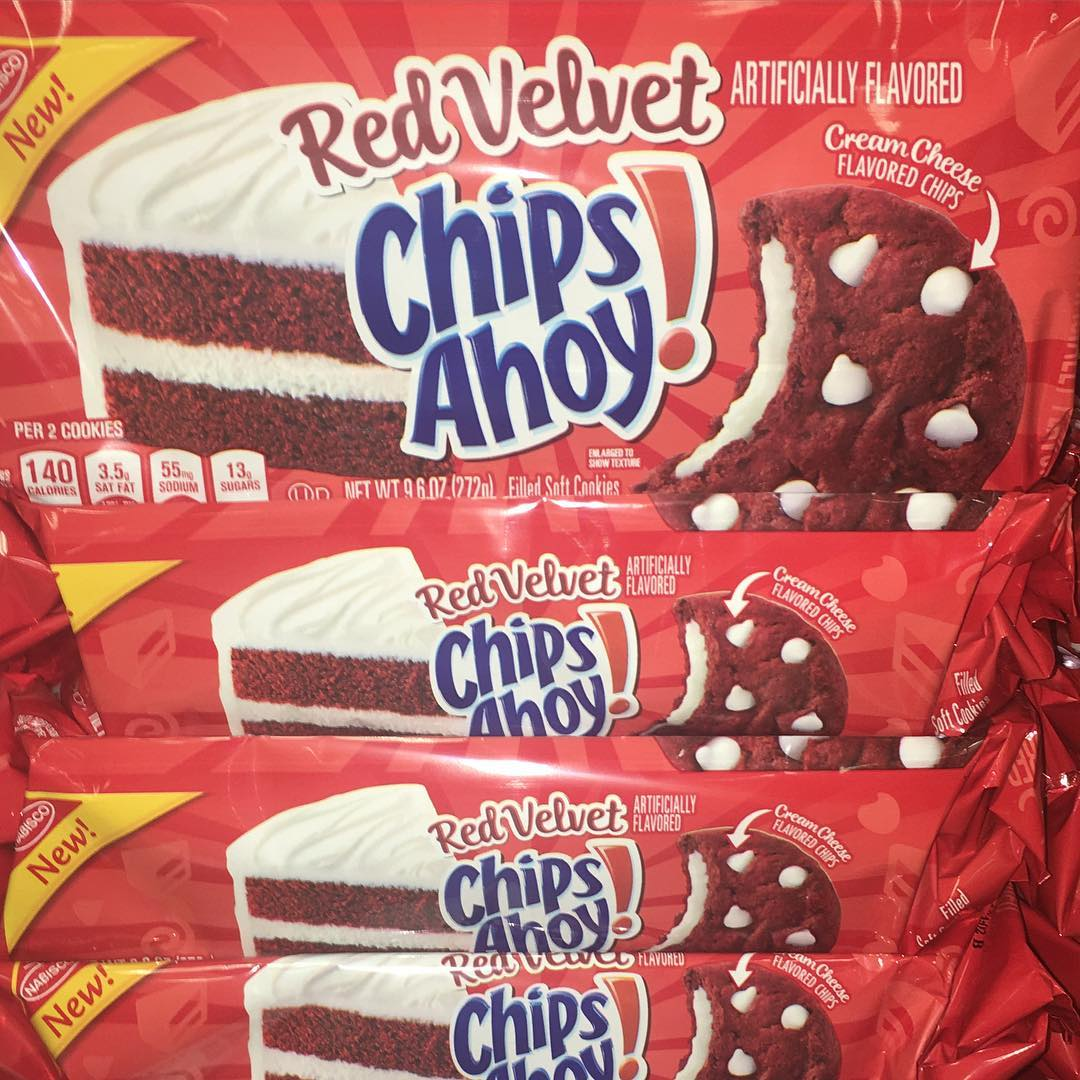 Red Velvet Chips Ahoy?? Who's down to try these??? 📸 @taylordeats