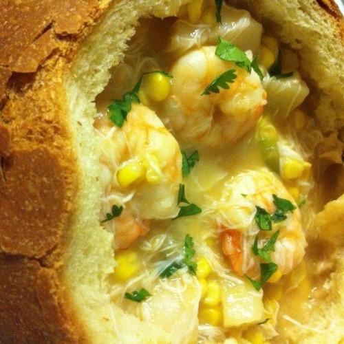 [RECIPE] Seafood Chowder In A Semolina Bread Bowl