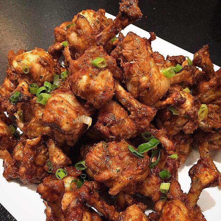 Asian Buffalo Chicken Lollipops….ummm Damn. 🍖🍗🍖🍗😍 📸 @chefrli